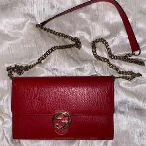 Gucci red wallet on chain